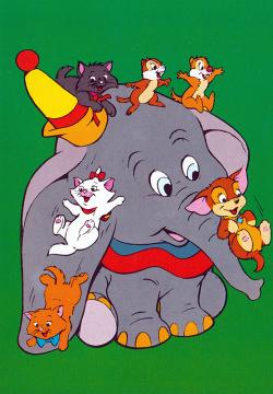 Postkarte Dumbo mit Aristocats und Backenhörnchen