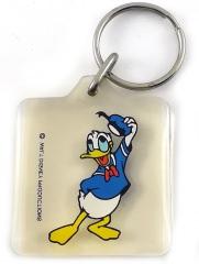 Schlüsselanhänger viereckig Donald Duck hutziehend
