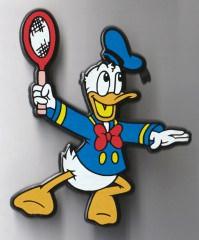 Anstecker Donald Duck beim Tennis