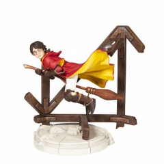 Harry Potter Playing Quidditch Figur